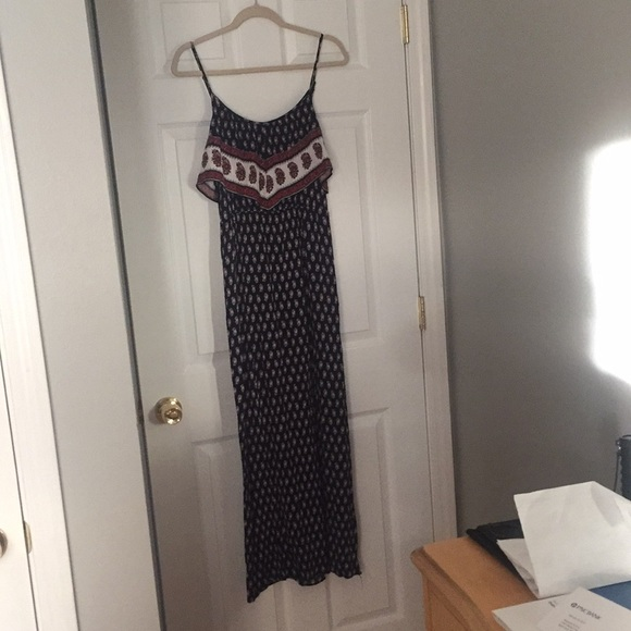 American Eagle Outfitters Dresses & Skirts - AEO Medium Ruffled Boho Maxi Dress